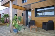 Menuiserie exterieure bardage bois et terrasse en sapin